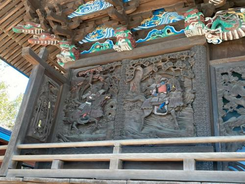 西側彫刻(衣川の戦いの場面)